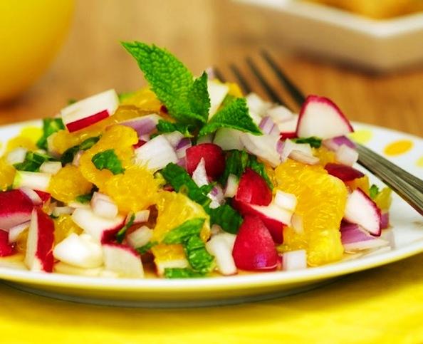 salada-de-laranja-com-rabanete-e-hortela